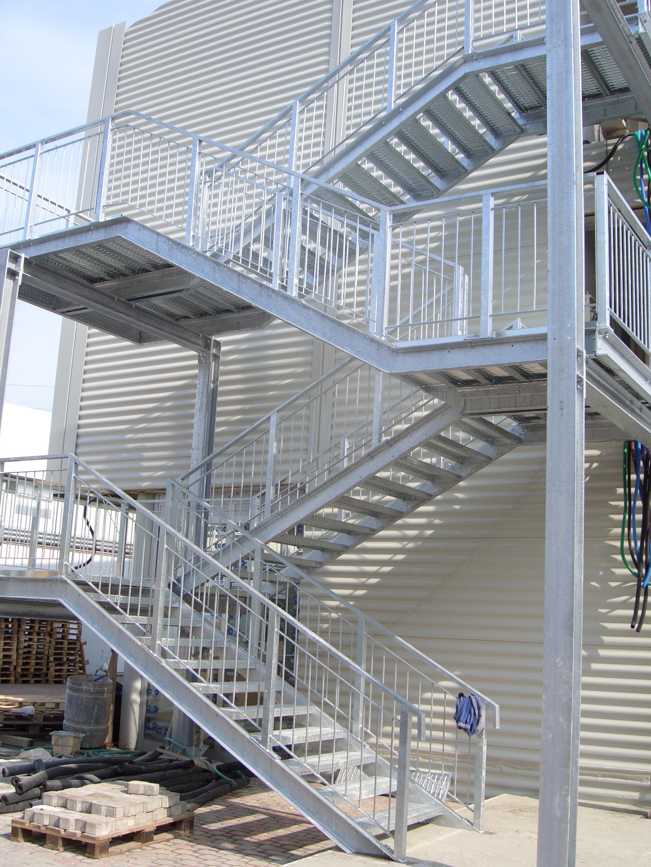 Scale da interno esterno reggiani scaffalature - Immagini scale esterne ...